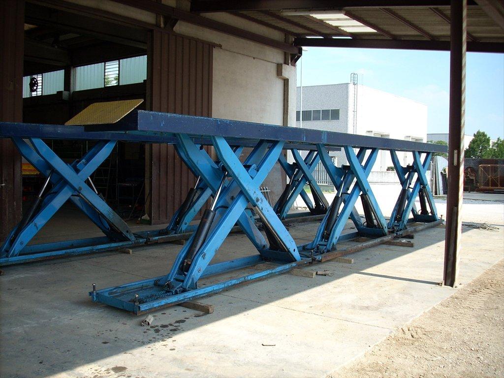 Bacar s r l for Ponte sollevatore auto 220v usati